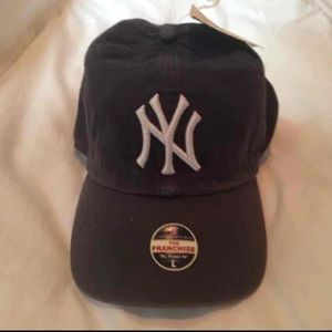 Other - NWT New York Yankees Fitted Hat/Cap